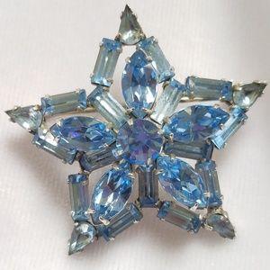 Vintage Jewelry - VTG Blue Rhinestone Star Pin